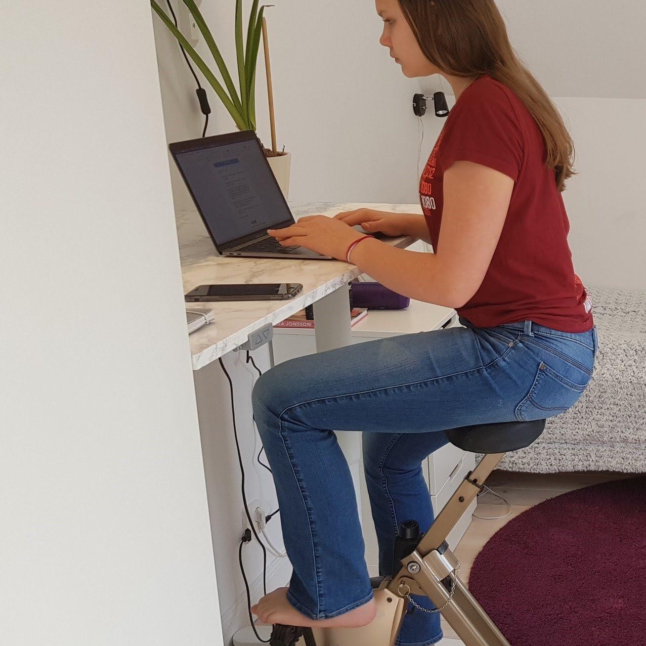SportOffice home deskbike study